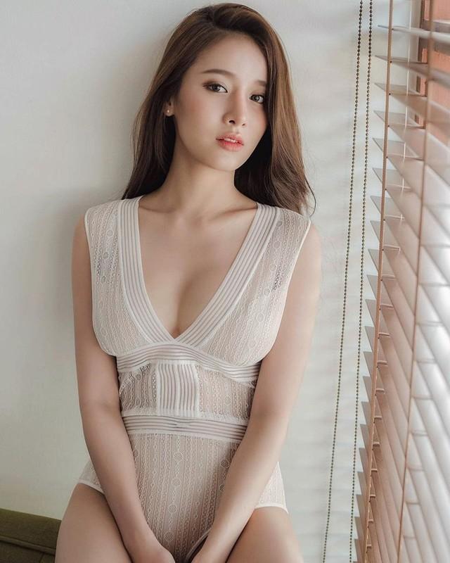 Nu than goi cam so 1 Thai Lan khoe than hinh ruc lua-Hinh-6