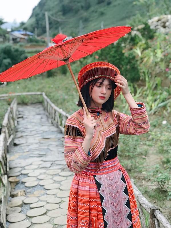 """""""Hot girl anh the"""" dan toc Giay khien bao chang trai xao xuyen-Hinh-10"""