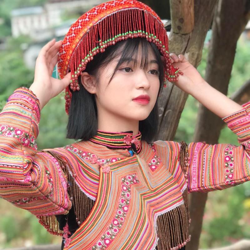 """""""Hot girl anh the"""" dan toc Giay khien bao chang trai xao xuyen-Hinh-11"""