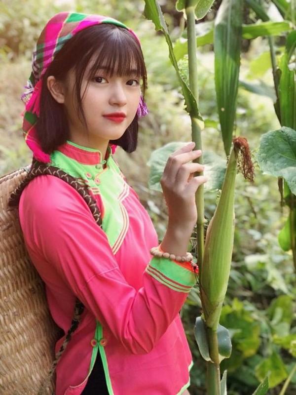 """""""Hot girl anh the"""" dan toc Giay khien bao chang trai xao xuyen-Hinh-9"""