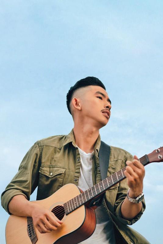 Thi sinh Rap Viet tung dong nam chinh phim gay sot mang la ai?-Hinh-3