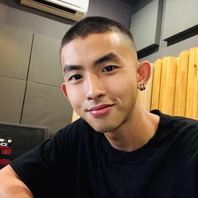 Thi sinh Rap Viet tung dong nam chinh phim gay sot mang la ai?-Hinh-5
