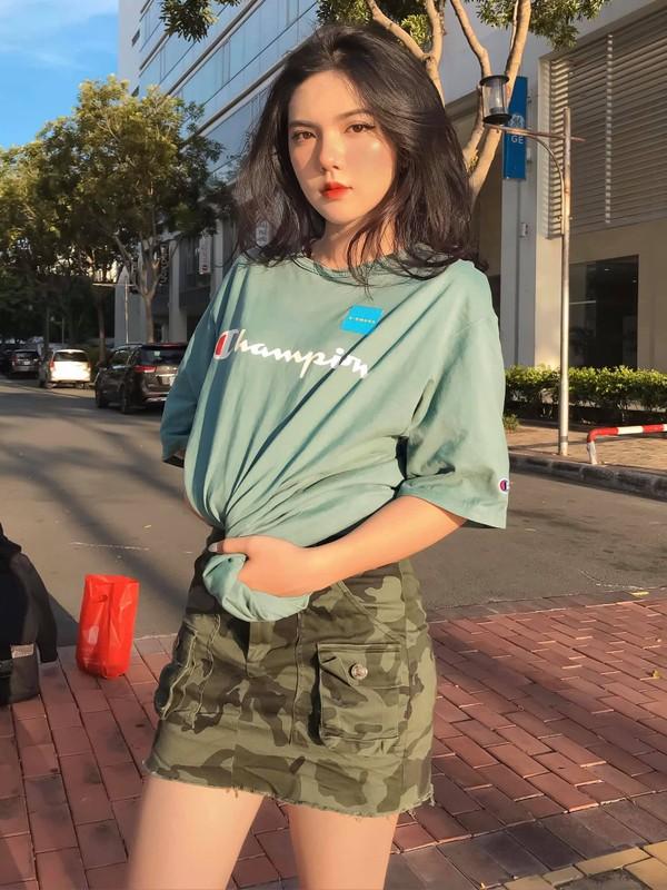 "Hot girl 2K3 ""day thi hoan hao"" voi guong mat ""lanh nhu tien""-Hinh-4"