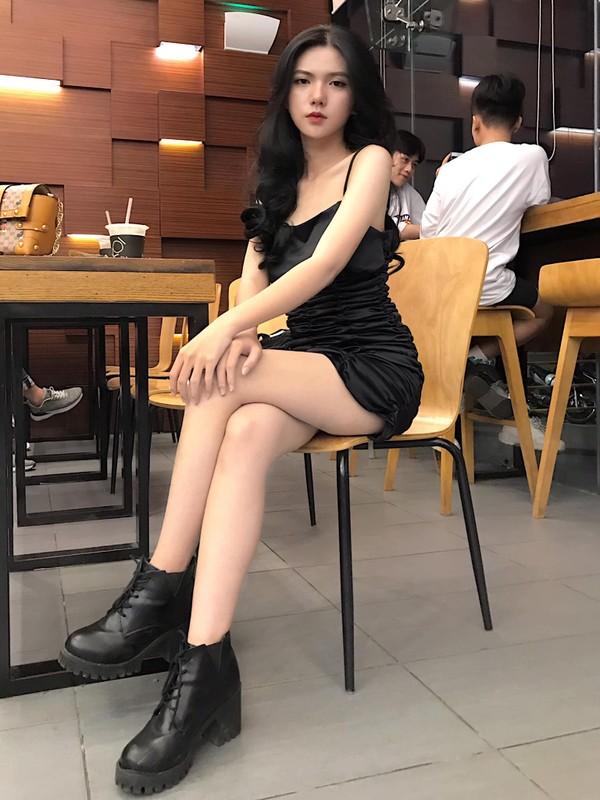 "Hot girl 2K3 ""day thi hoan hao"" voi guong mat ""lanh nhu tien""-Hinh-9"