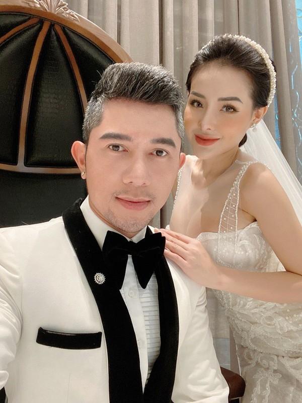 Chiec nhan Ngan 98 tu choi tu Luong Bang Quang co gia bao nhieu?-Hinh-10