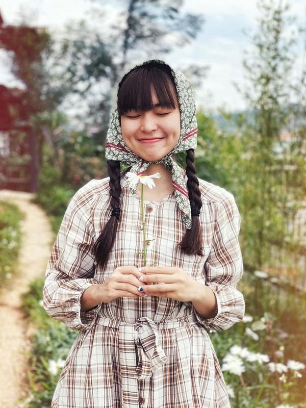 Khoe vong eo xuat sac, hot girl Khanh Van nhan fans chim dam-Hinh-10