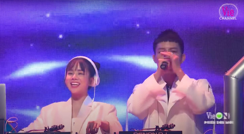 Mie va Trang Moon, hai nu DJ bi CDM dua len ban can nhan sac-Hinh-11