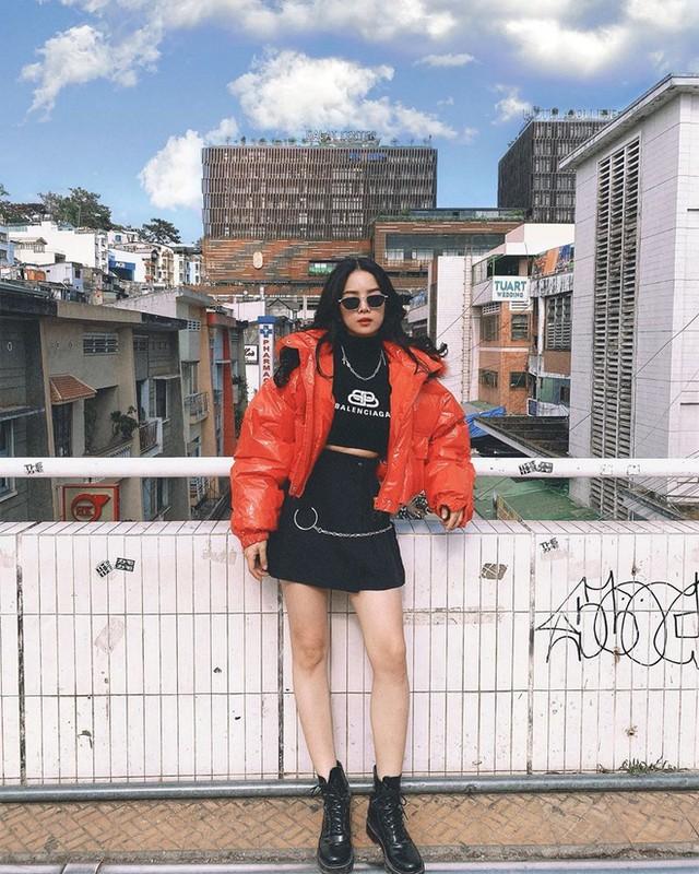 Mie va Trang Moon, hai nu DJ bi CDM dua len ban can nhan sac-Hinh-12