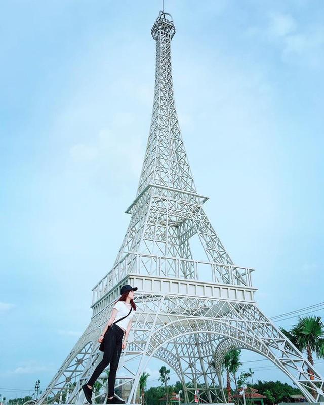 Thap Eiffel xuat hien tai Viet Nam, gioi tre khoe anh check-in-Hinh-11