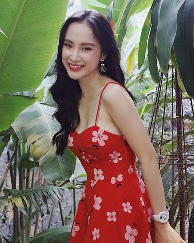 "Sau man o an, hot girl ""Kinh Van Hoa"" khoe nhan sac len huong-Hinh-12"
