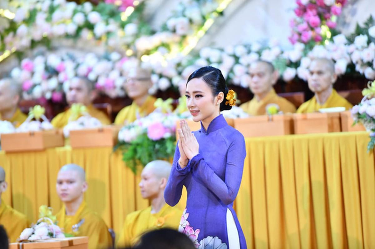 "Sau man o an, hot girl ""Kinh Van Hoa"" khoe nhan sac len huong-Hinh-4"