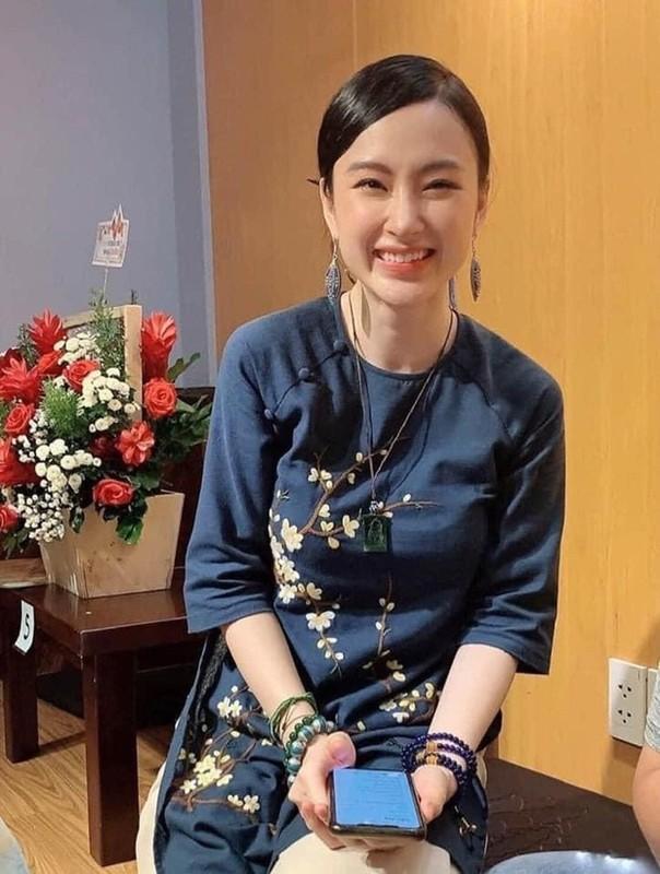 "Sau man o an, hot girl ""Kinh Van Hoa"" khoe nhan sac len huong"