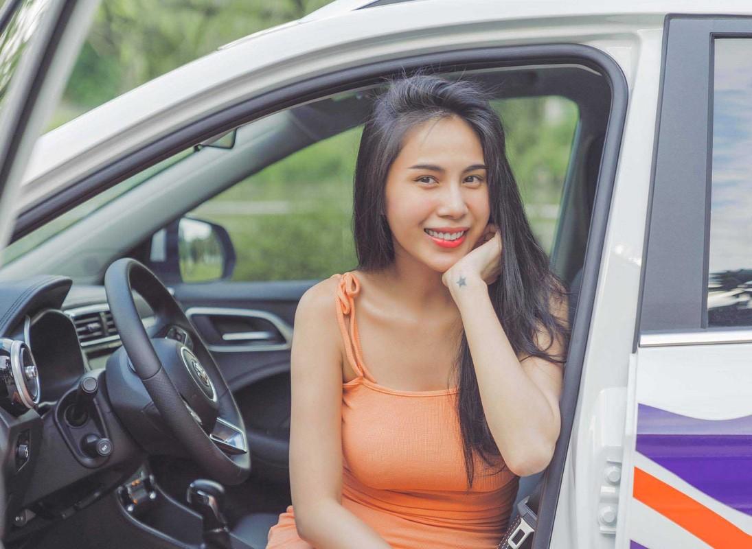 Thuy Tien dang anh mac do ngu, dan mang lo cho Cong Vinh-Hinh-4
