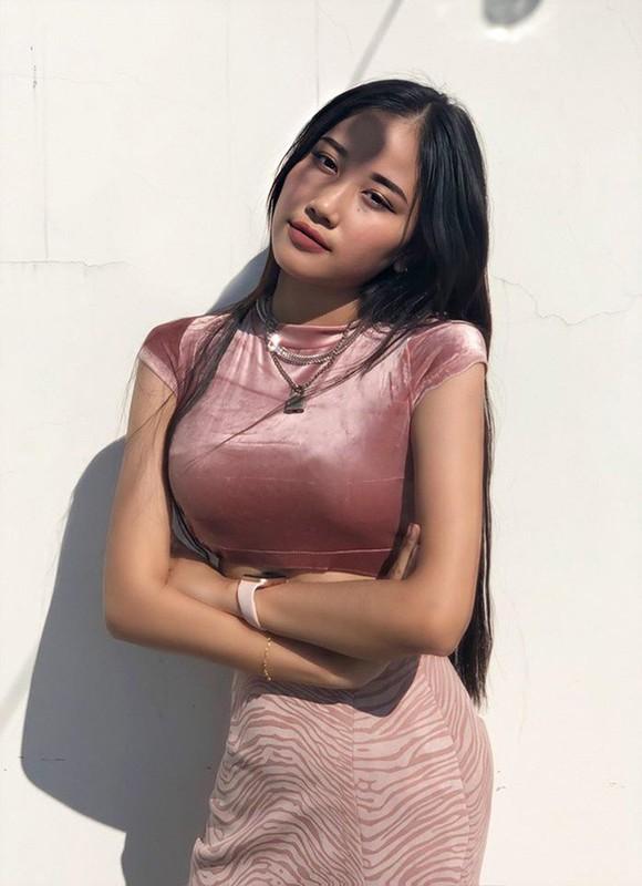 Nu sinh Dak Lak khoe vong eo, hoi chi em mang giay but hoc hoi-Hinh-10
