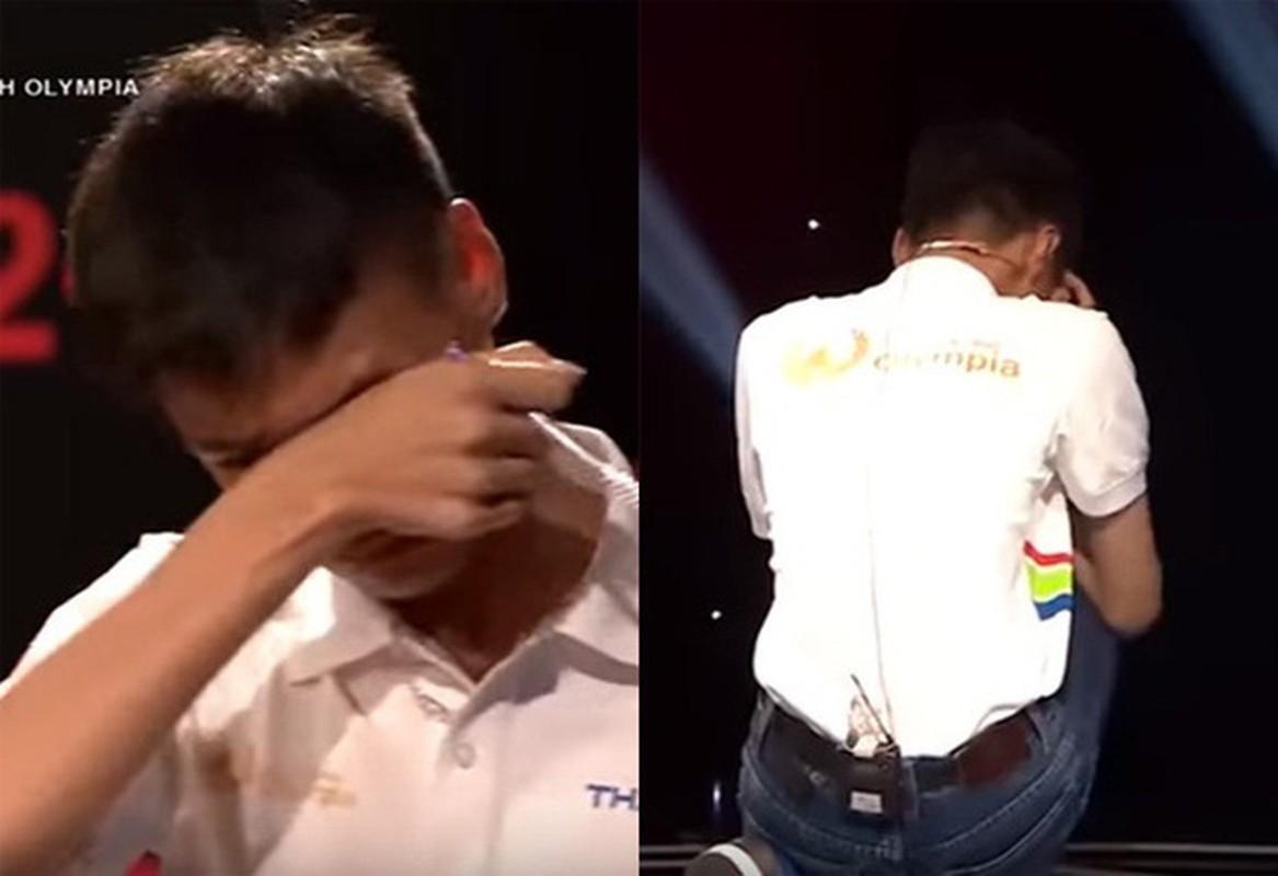 Hanh dong la, dan thi sinh Duong len dinh Olympia gay xon xao MXH-Hinh-12