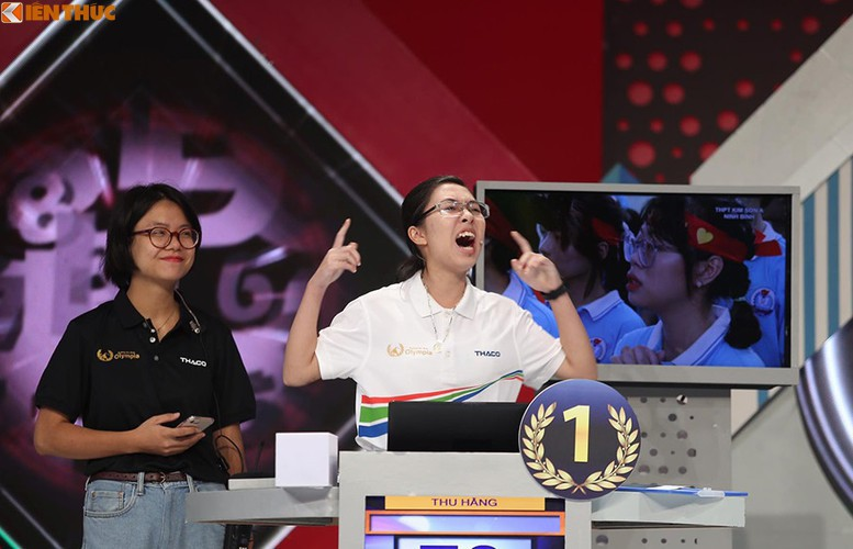 Hanh dong la, dan thi sinh Duong len dinh Olympia gay xon xao MXH-Hinh-5