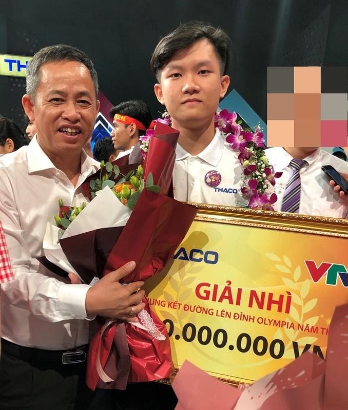 A quan Duong len dinh Olympia 2020 du dung di van sang nhat MXH-Hinh-9