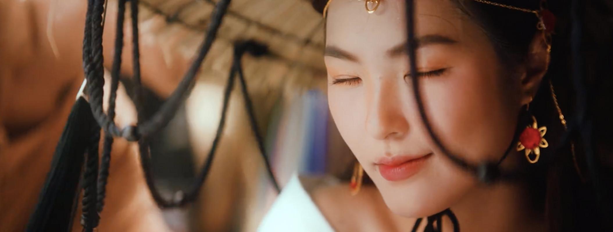 Gai xinh trong MV moi cua Jack khoe anh khi chat ngut troi-Hinh-2