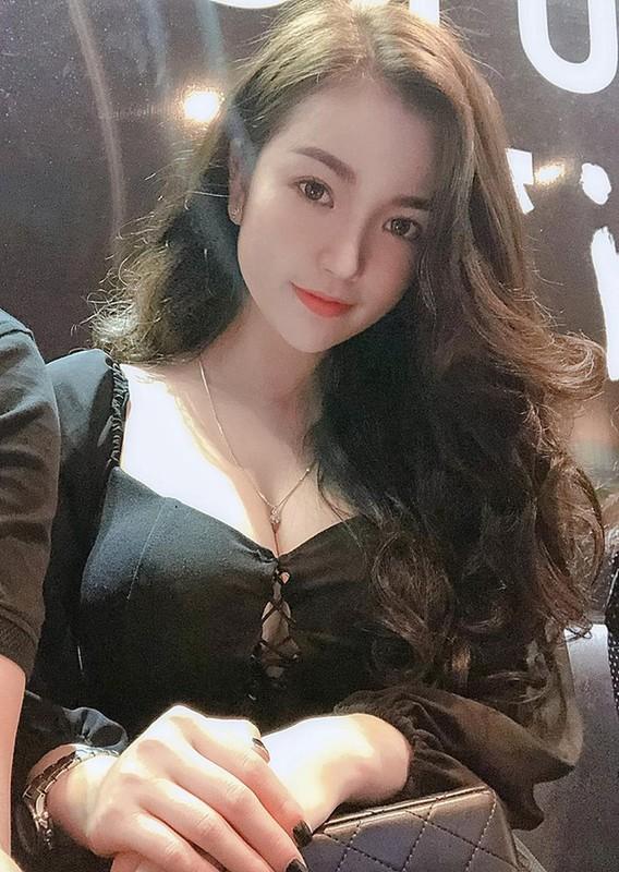 Gai xinh duoc bao Trung khen ngoi het loi la ai?-Hinh-4