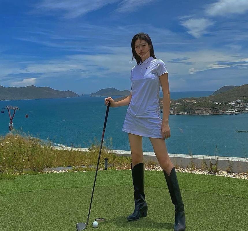 Hot girl Viet lot top 100 guong mat dep nhat the gioi gay sot-Hinh-7