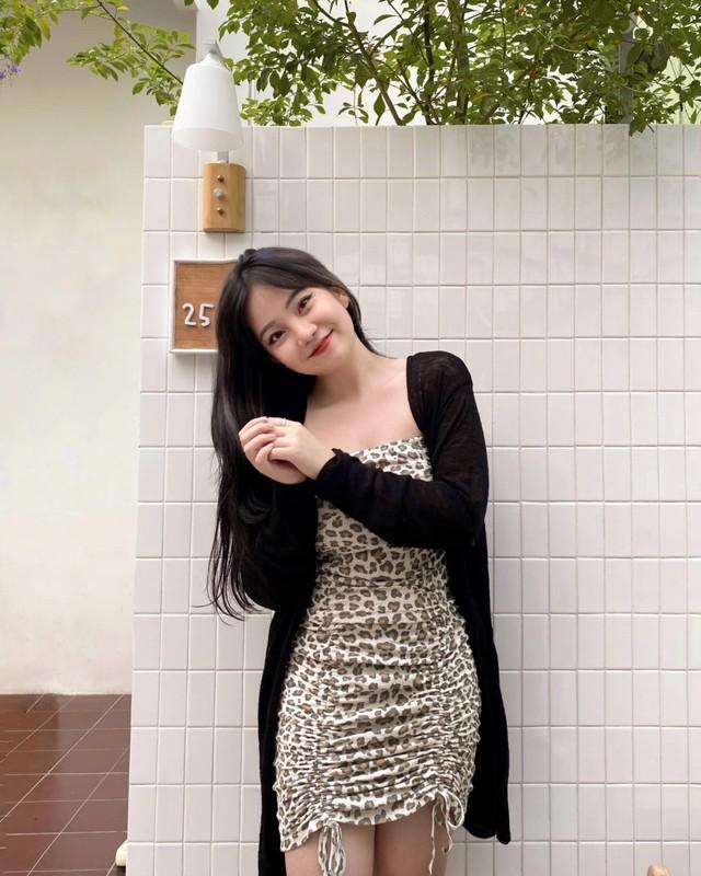 """Phat sot voi dan hot girl nam lun nhung """"un un nguoi theo""""-Hinh-14"""