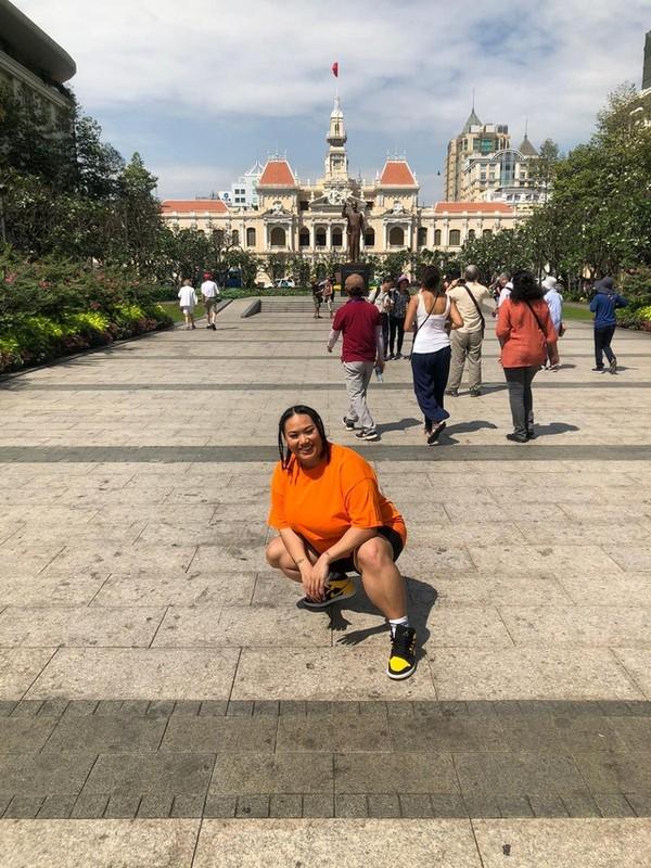 Nu vlogger goc Viet qua doi vi COVID-19 truyen nang luong de doi-Hinh-10
