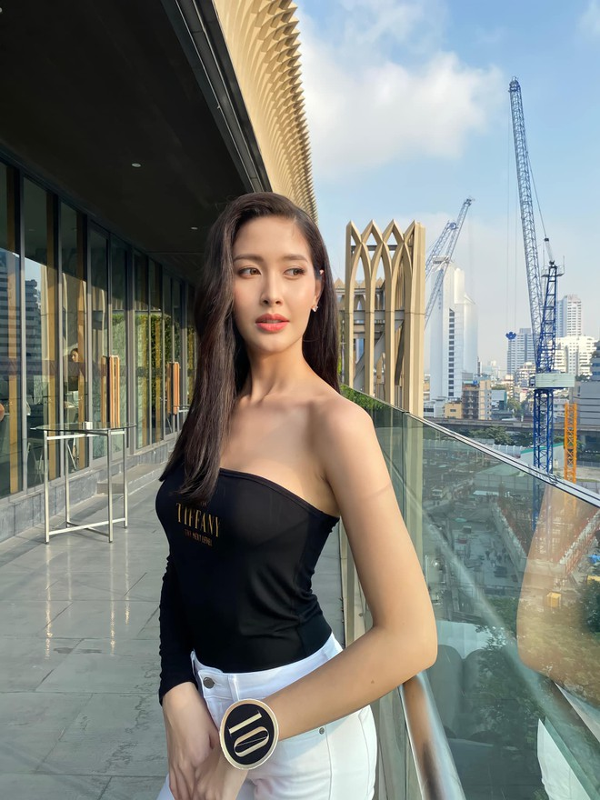 Soi nhan sac truoc phau thuat cua Tan Hoa hau Chuyen gioi Thai-Hinh-8