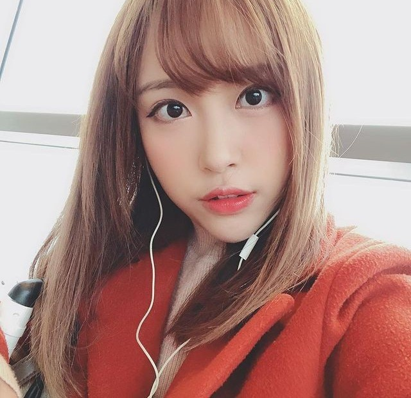 Lo danh tinh co giao hot girl chiem song mang xa hoi xu Trung-Hinh-7