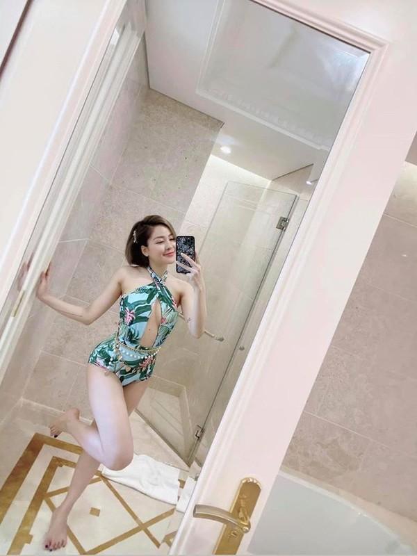 Khoe anh dien hai manh, hot girl Tram Anh bi ''dao'' lai qua khu-Hinh-11