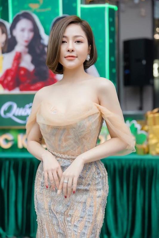 Khoe anh dien hai manh, hot girl Tram Anh bi ''dao'' lai qua khu-Hinh-8