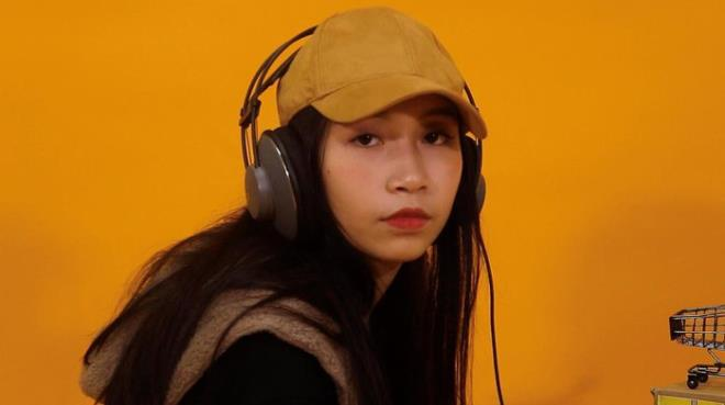 Tuoi 18, con gai ut ca si My Linh khoe dang nong bong-Hinh-10