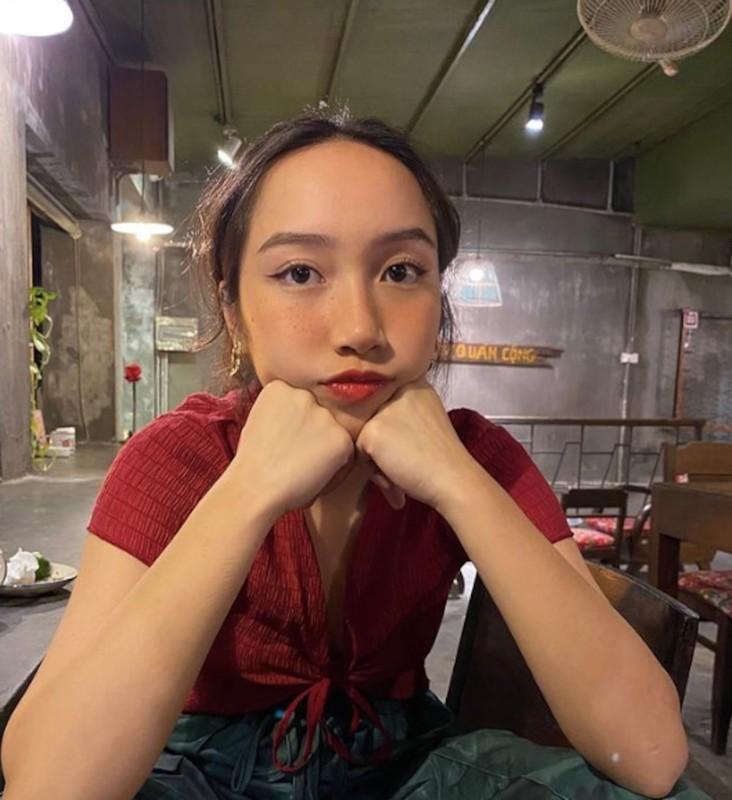 Tuoi 18, con gai ut ca si My Linh khoe dang nong bong