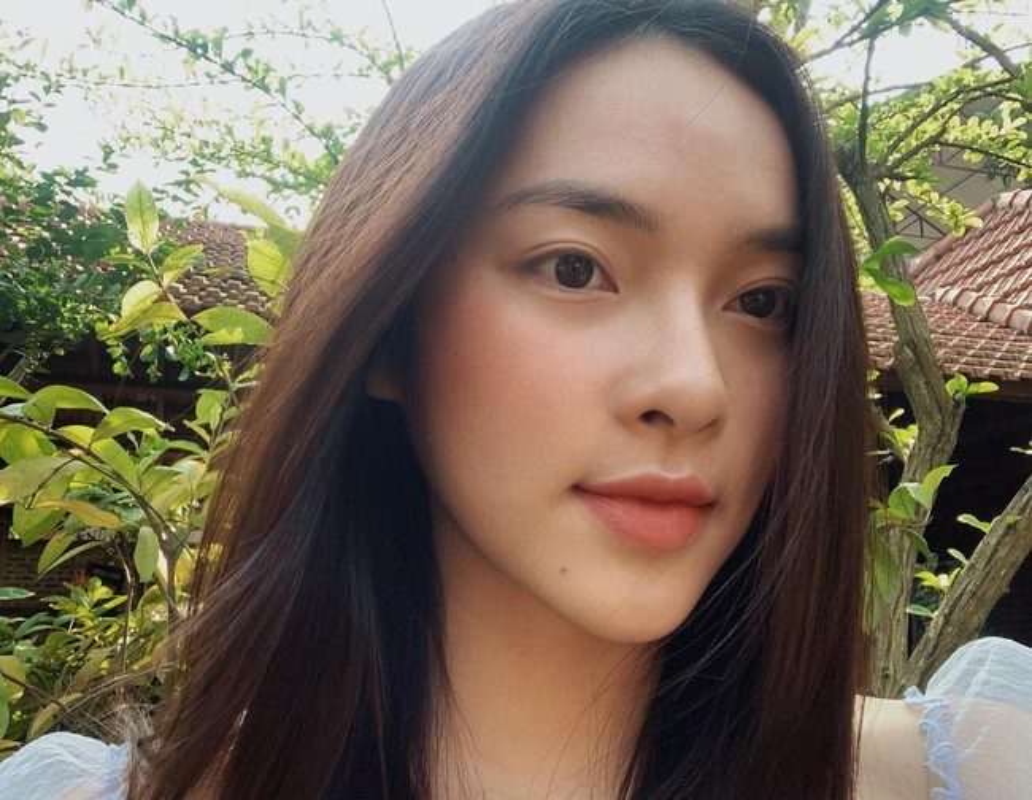 Lo mat moc, ban gai tin don thieu gia Hieu Nguyen gay chu y-Hinh-11