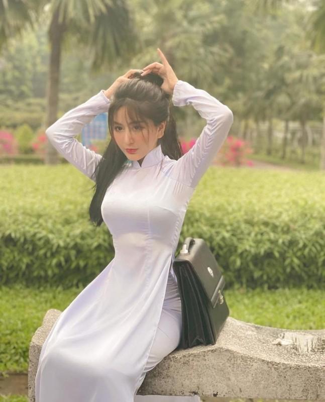 """Dan nu sinh Viet khien dan mang """"met tim"""" khi dien ao dai trang-Hinh-2"""