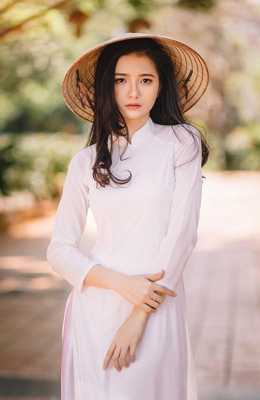 """Dan nu sinh Viet khien dan mang """"met tim"""" khi dien ao dai trang-Hinh-6"""