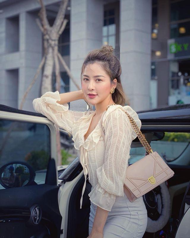 Khoe chan dai, hot girl Tram Anh bi dan mang nhac chuyen xua-Hinh-9