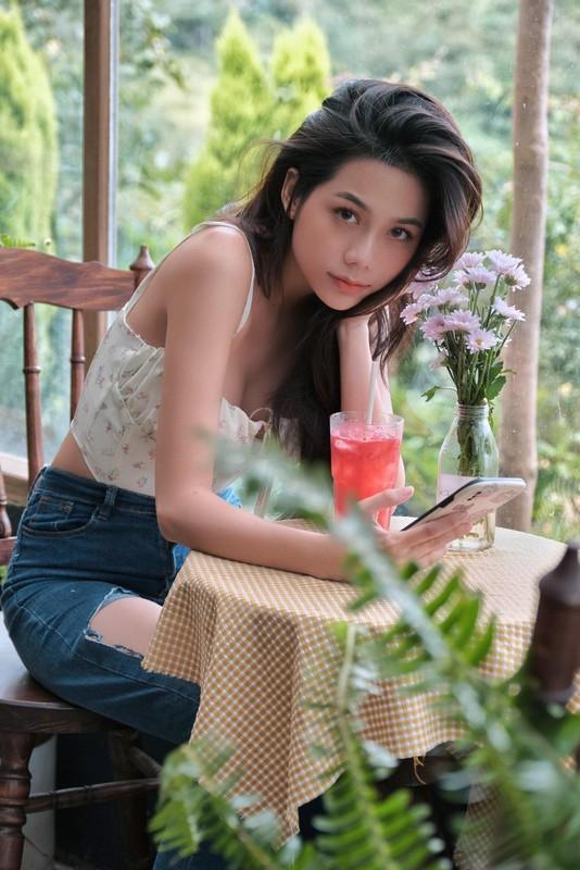 Hot girl Sai thanh khoe anh don Giang sinh nhan ngay trieu like-Hinh-7