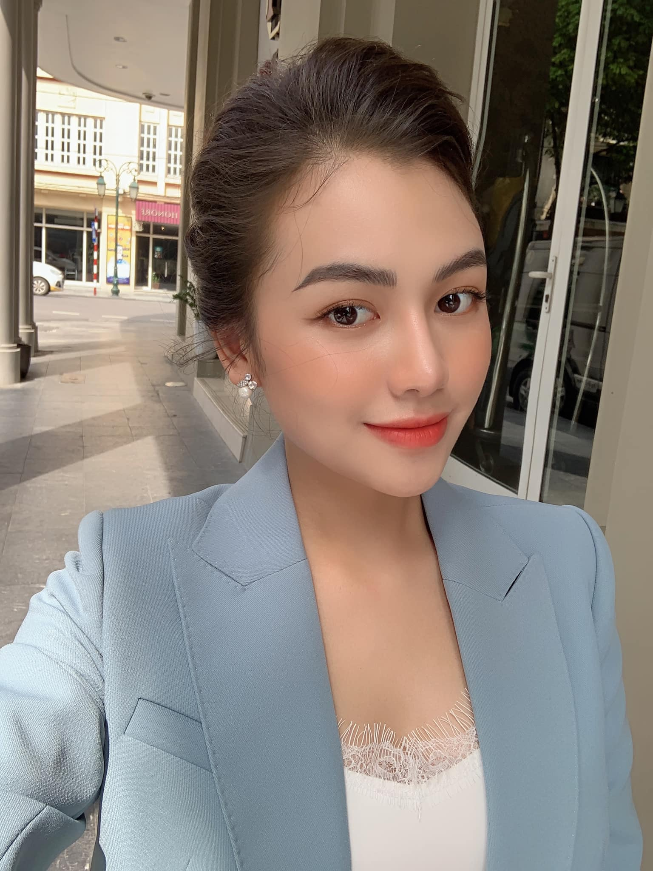 Nu sinh truong Quan doi thu hut dan tinh tu lan dau gap-Hinh-8
