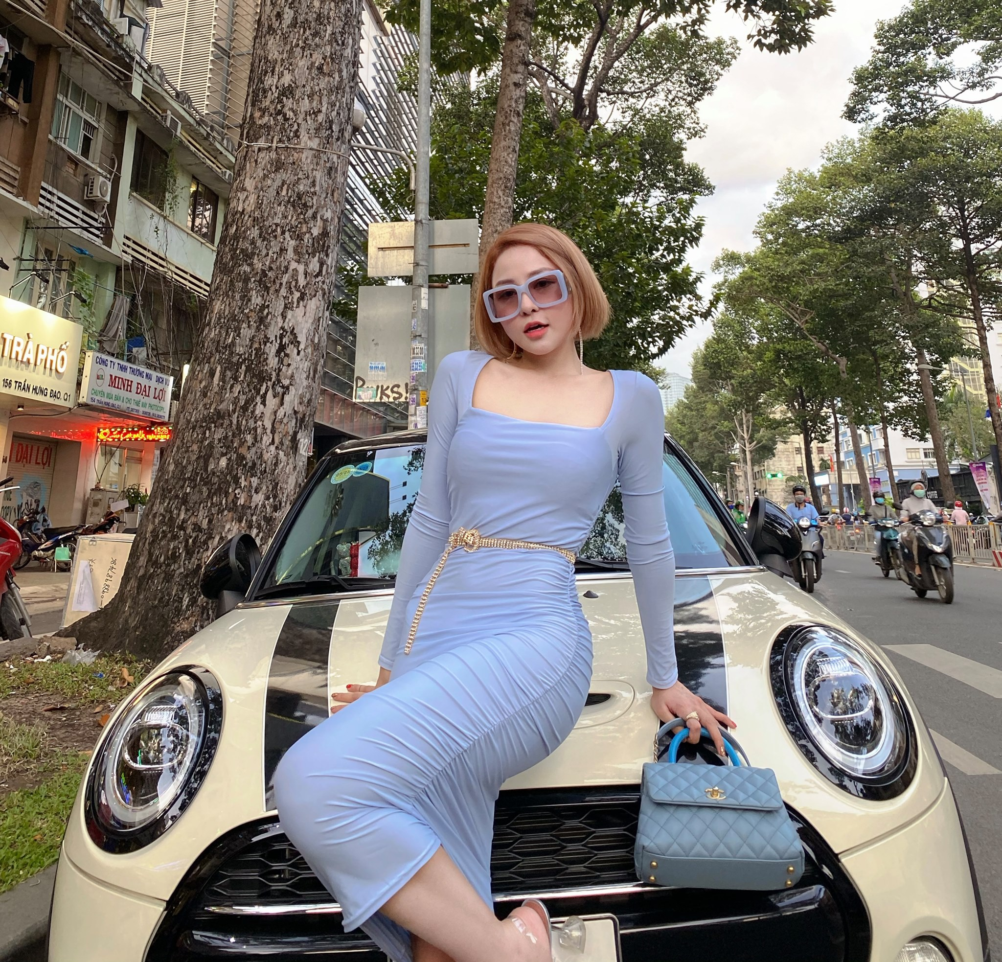 Khoe than hinh nuot na, hot girl Tram Anh chao tuoi 25-Hinh-7