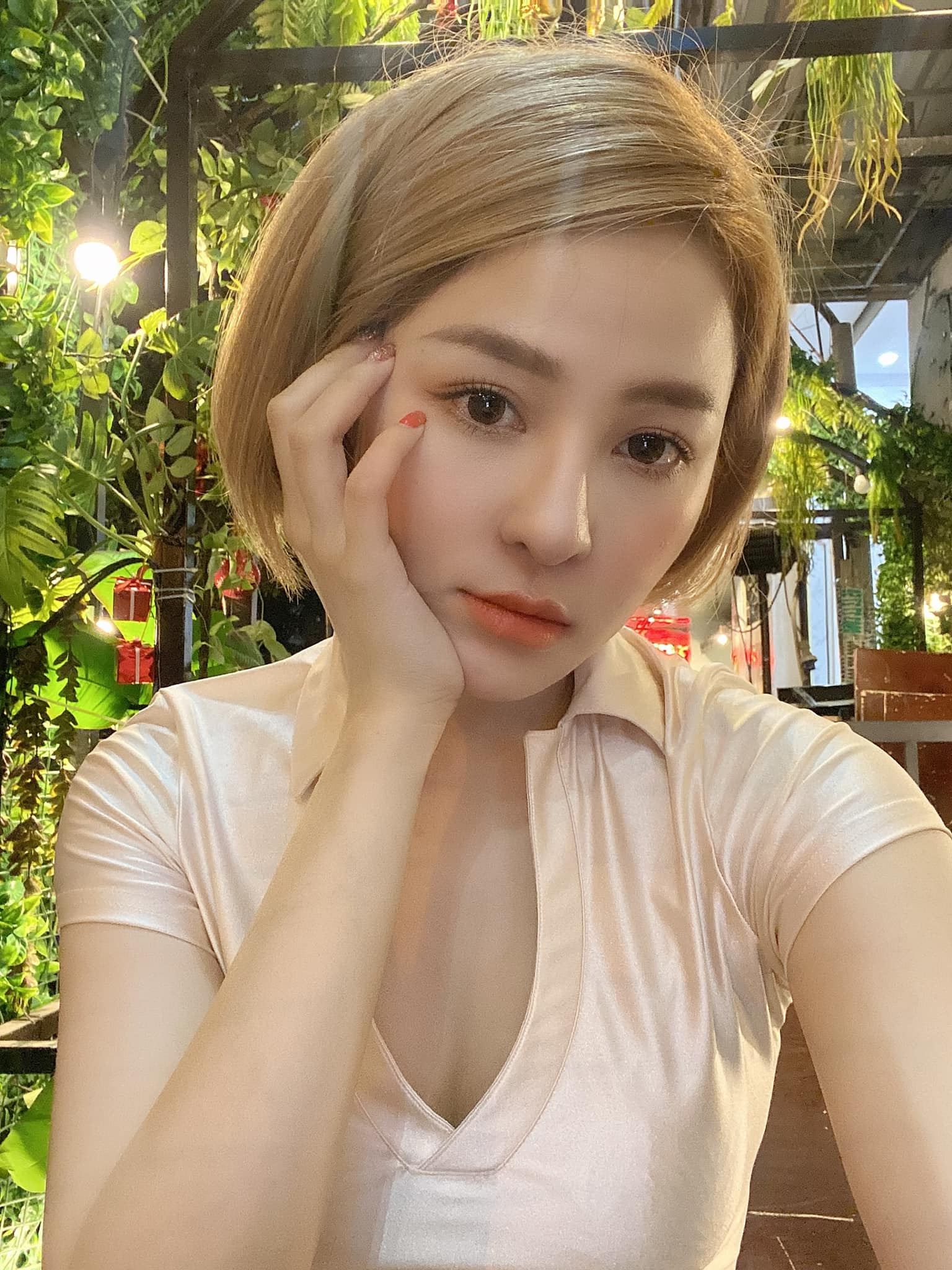 Khoe than hinh nuot na, hot girl Tram Anh chao tuoi 25-Hinh-9