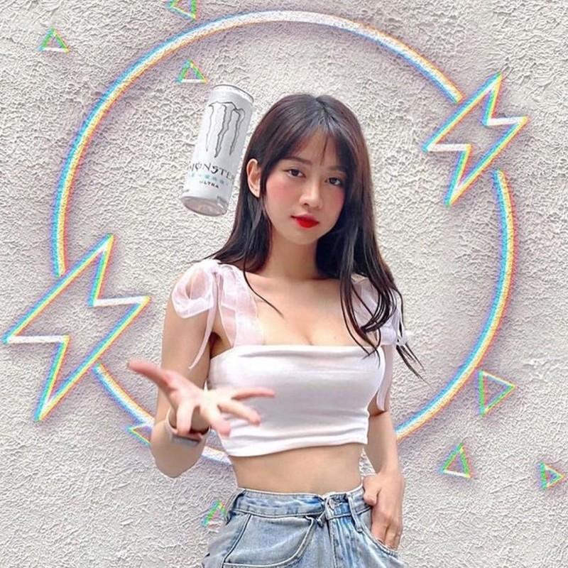 "Vi hanh dong kem duyen, hot girl TikTok Le Bong tiep tuc ""an gach""-Hinh-11"