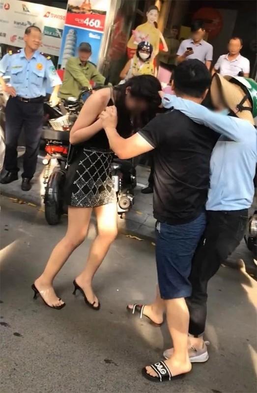 """""""Tieu tam"""" vu danh ghen pho Ly Nam De khoe anh sang xin-Hinh-6"""