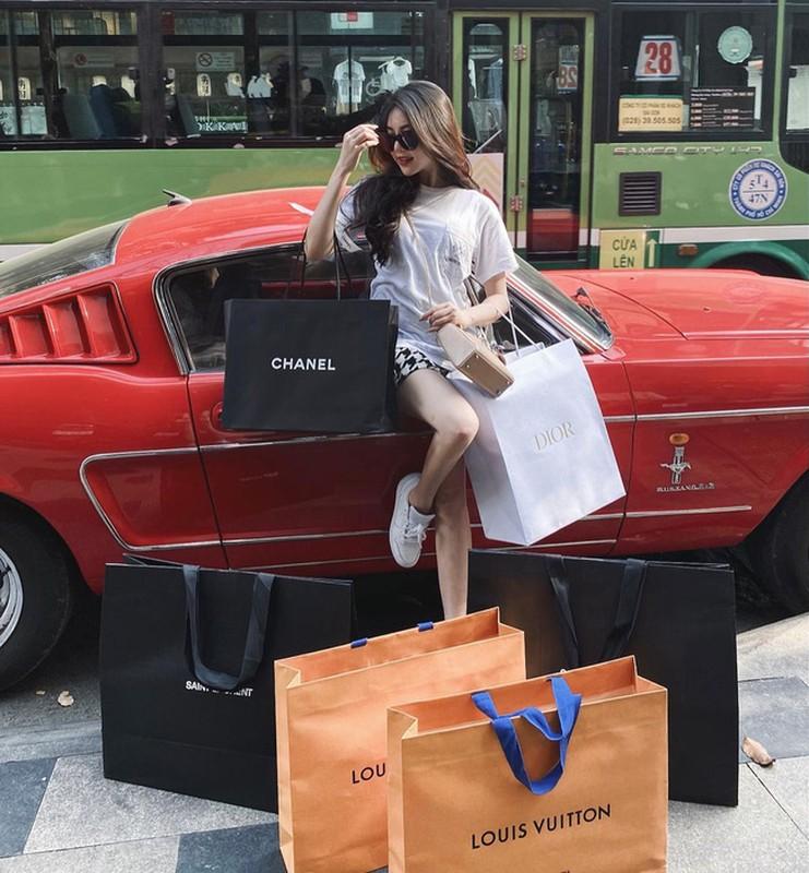 Tu sam biet thu, sieu xe hot girl 2K1 khien dan tinh choang vang-Hinh-6