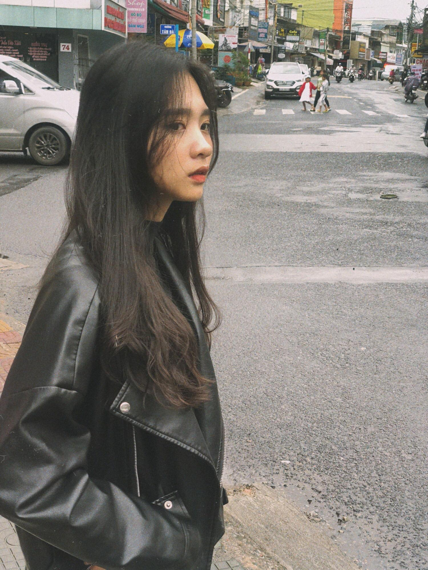 "Nu sinh truong Kinh te khien bao nguoi ""say nang"" la ai?-Hinh-10"