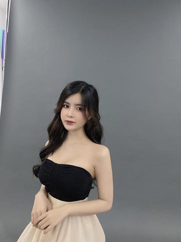 Hot girl Sai thanh gay sot voi nhan sac bup be song-Hinh-5