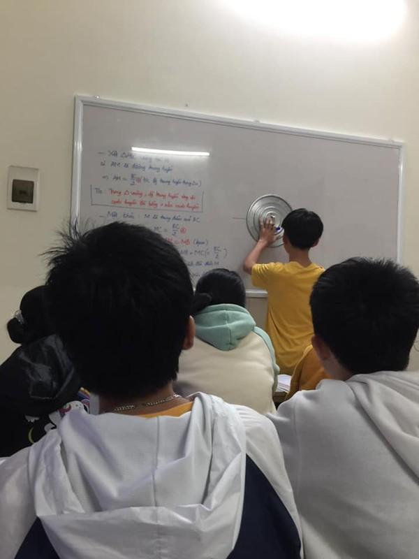 "Lay ""van vat"" lam thuoc ke, hoc tro thoi nay qua ba dao-Hinh-12"