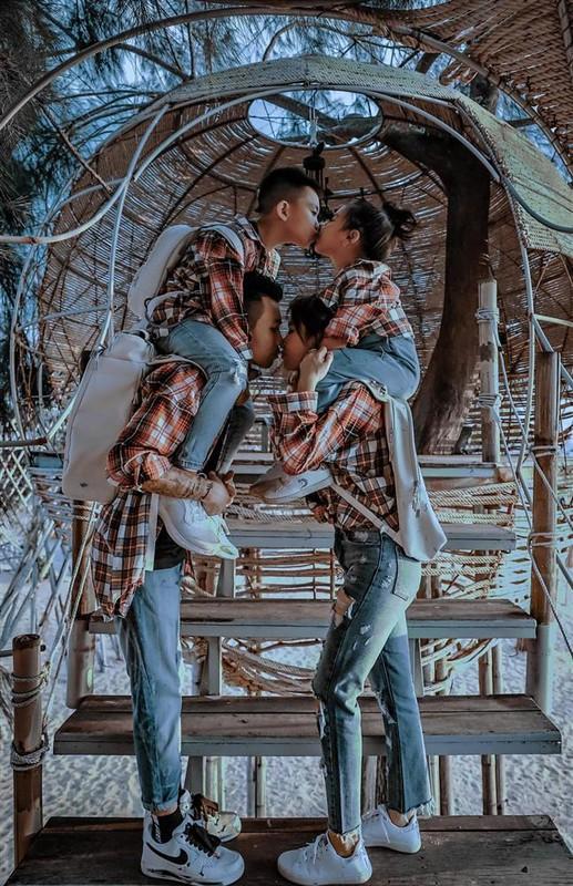 Khoe anh gia dinh, vo chong Minh Nhua gay tranh cai vi dieu nay-Hinh-3