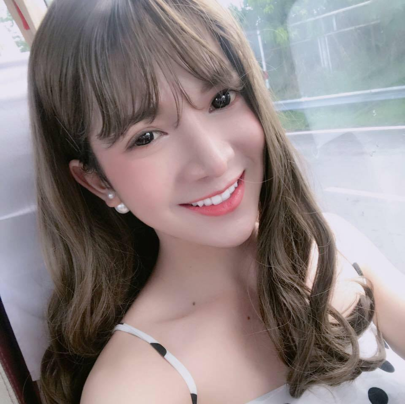 Diem mat dan hot girl chuyen gioi tuoi Suu chiem spotlight-Hinh-12