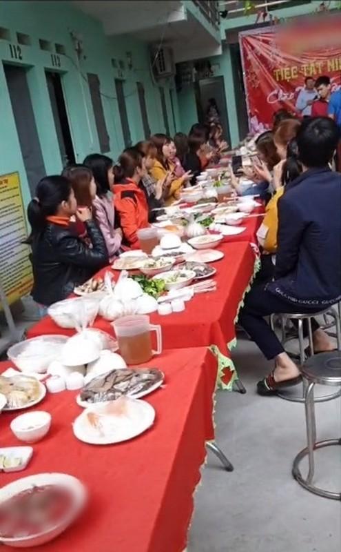 Chu nha tro co hanh dong dip cuoi nam khien dan mang am long-Hinh-5