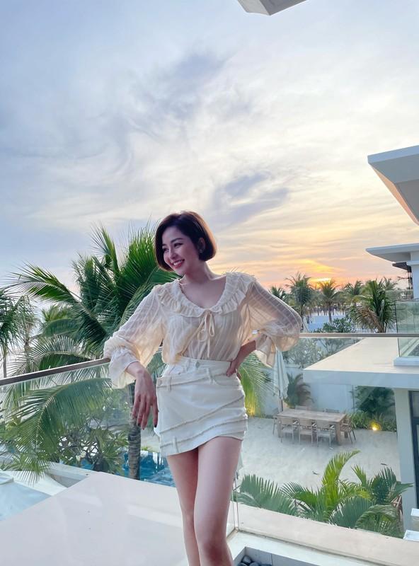 "Tram Anh va dan hot girl tung vuong scandal lo clip ""nong"""